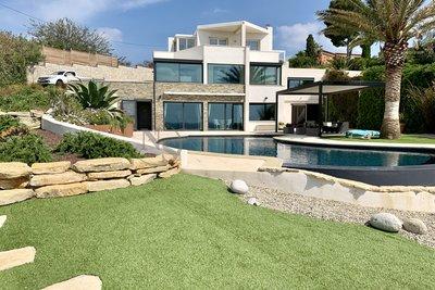 Maison à vendre à CARRY-LE-ROUET  - 7 pièces - 280 m²