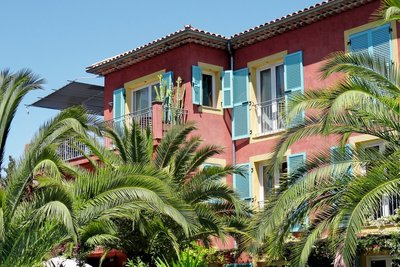 VILLEFRANCHE-SUR-MER - Apartments for sale