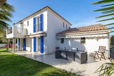 Houses for sale in Antibes