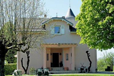 Maison à vendre à DOMESSIN  - 7 pièces - 240 m²