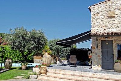 House for sale in LA COLLE-SUR-LOUP  - 7 rooms - 166 m²