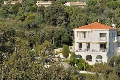 House for sale in CANNES  - 8 rooms - 370 m²