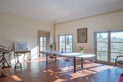 - 6 rooms - 300 m²