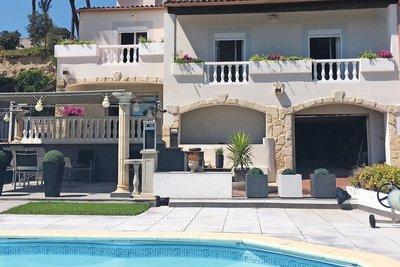 Maison à vendre à BOUC-BEL-AIR  - 8 pièces - 300 m²