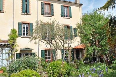 Maison à vendre à VAISON-LA-ROMAINE   - 400 m²