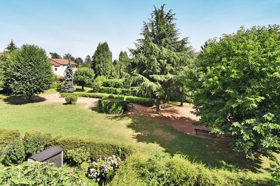 Apartment for sale in CHAMPAGNE-AU-MONT-D'OR  - 3 rooms - 98 m²