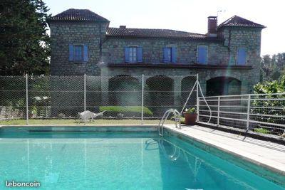 Maison à vendre à JOYEUSE  - 17 pièces - 400 m²