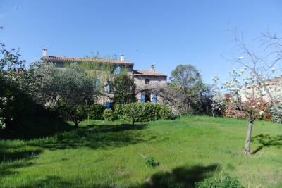 Maison à vendre à CARPENTRAS  - 8 pièces - 227 m²