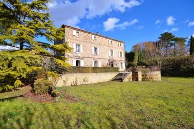 Maison à vendre à UZÈS  - 9 pièces - 336 m²
