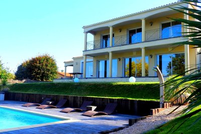 House for sale in LATRESNE  - 9 rooms - 280 m²
