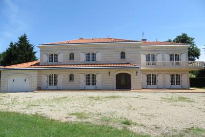 Maison à vendre à ROYAN  - 11 pièces - 340 m²