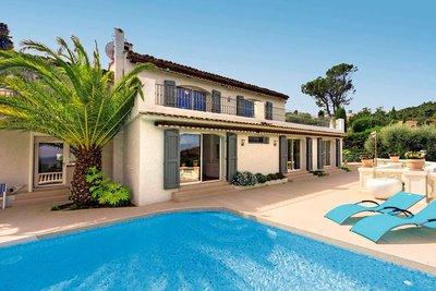 Maison à vendre à THÉOULE-SUR-MER  - 6 pièces - 300 m²