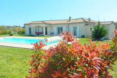 Maison à vendre à VALLON PONT D ARC  - 7 pièces - 150 m²