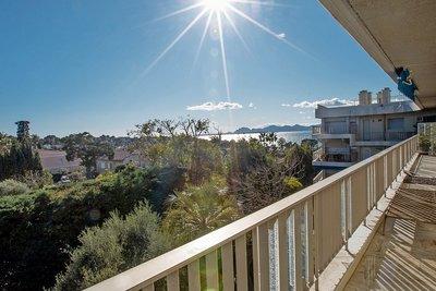 Appartement à vendre à CAP D'ANTIBES  - 4 pièces - 138 m²
