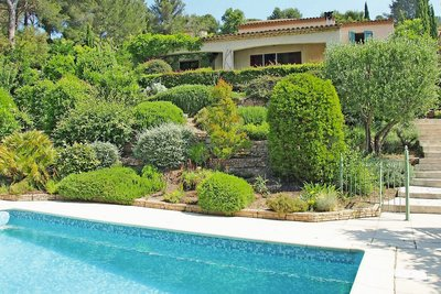 House for sale in ROQUEBRUNE-SUR-ARGENS  - 7 rooms - 180 m²