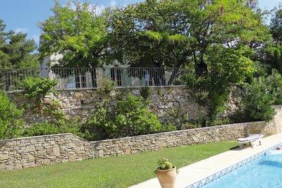 Maison à vendre à LE THOLONET   - 230 m²