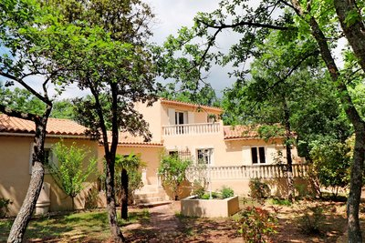 House for sale in ROUSSILLON  - 6 rooms - 160 m²