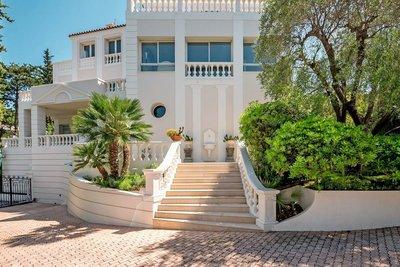Maison à vendre à CANNES  - 9 pièces - 400 m²