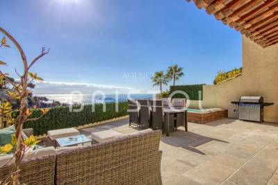 House for sale in VILLEFRANCHE-SUR-MER  - 5 rooms - 202 m²