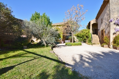 House for sale in UZÈS  - 12 rooms - 450 m²