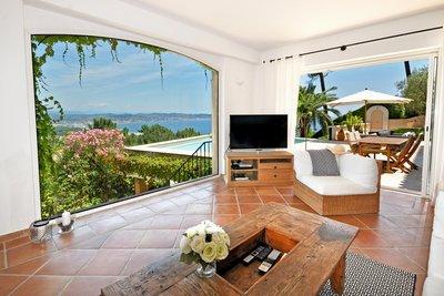 Maison à vendre à THÉOULE-SUR-MER  - 7 pièces - 290 m²