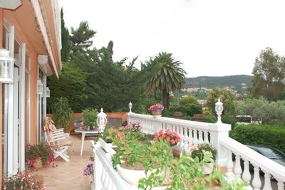 Maison à vendre à THÉOULE-SUR-MER  - 5 pièces - 170 m²