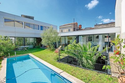 House for sale in BORDEAUX  - 6 rooms - 230 m²