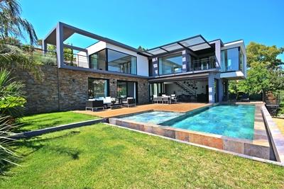 Maison à vendre à MANDELIEU-LA-NAPOULE  - 6 pièces - 257 m²