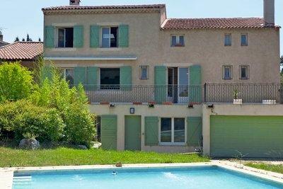 - 9 rooms - 425 m²