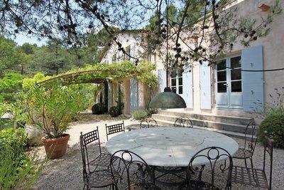 Maison à vendre à ST-MARC-JAUMEGARDE  - 10 pièces - 350 m²