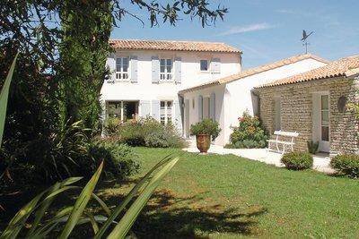 Maison à vendre à ST MARTIN DE RE  - 8 pièces - 209 m²