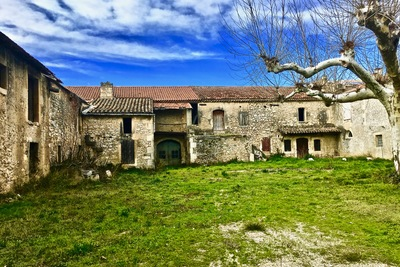 House for sale in MOURIES  - 16 rooms - 900 m²