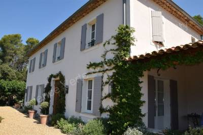 House for sale in LORGUES  - 6 rooms - 210 m²