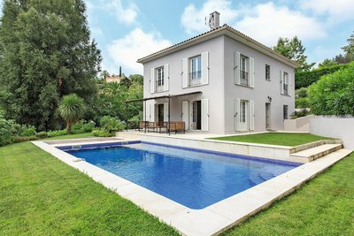 Maison à vendre à GOLFE JUAN  - 8 pièces - 180 m²