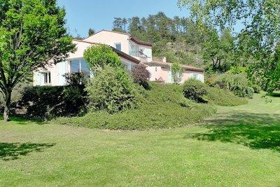 Maison à vendre à GENISSIEUX  - 5 pièces - 143 m²