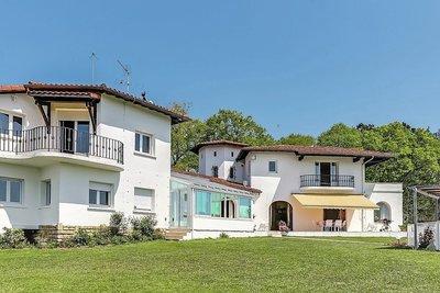 Maison à vendre à PEYREHORADE  - 12 pièces - 380 m²