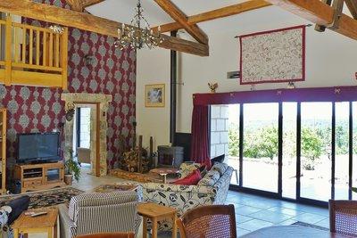 Maison à vendre à ST ASTIER  - 12 pièces - 385 m²