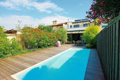 House for sale in BORDEAUX  - 7 rooms - 175 m²