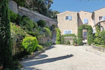 Maison à vendre à ST-PAUL-TROIS-CHÂTEAUX  - 8 pièces - 180 m²