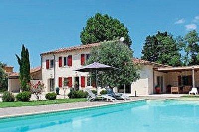 Maison à vendre à CABANNES  - 6 pièces - 205 m²