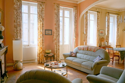 House for sale in BORDEAUX  - 10 rooms - 369 m²