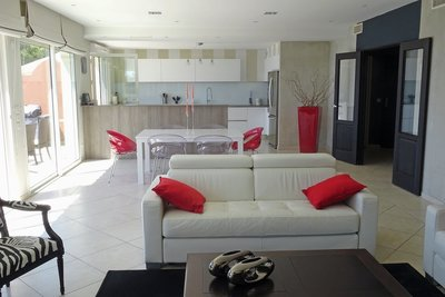 Apartment for sale in SANARY-SUR-MER  - 5 rooms - 140 m²