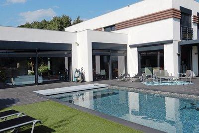 Maison à vendre à CAGNES-SUR-MER  - 7 pièces - 350 m²