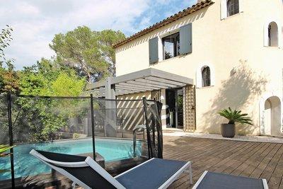 Maison à vendre à MOUGINS  - 5 pièces - 130 m²