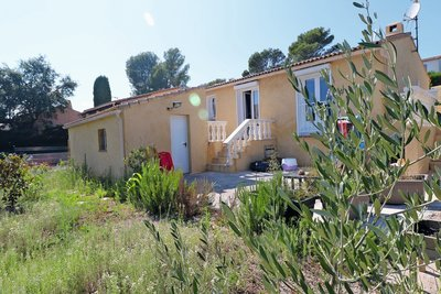 House for sale in ROQUEBRUNE-SUR-ARGENS  - 4 rooms - 75 m²
