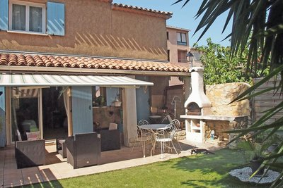 House for sale in ROQUEBRUNE-SUR-ARGENS  - 4 rooms - 78 m²