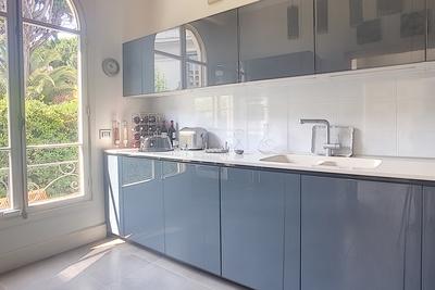 Appartement à vendre à CANNES   - 130 m²