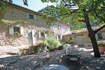 Maison à vendre à VAISON-LA-ROMAINE  - 15 pièces - 400 m²