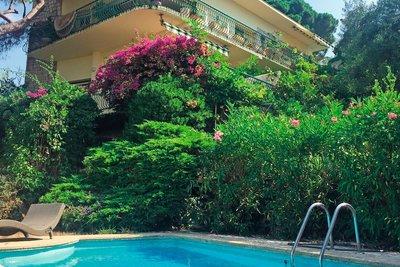 Maison à vendre à CANNES-LA-BOCCA  - 7 pièces - 220 m²