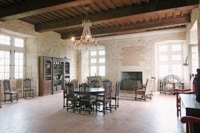 Maison à vendre à VILLENEUVE SUR LOT  - 14 pièces - 580 m²